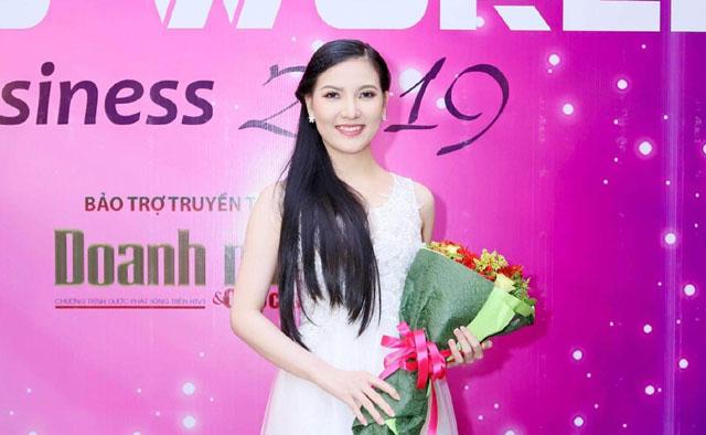 Hoa khôi Bảo Hân làm giám khảo Miss World Business 2019