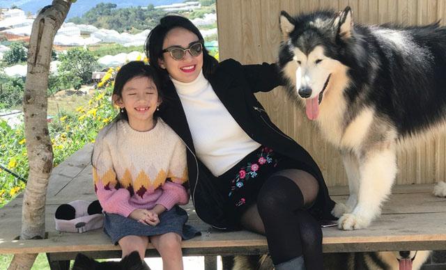 """Ngọc Diễm đưa con gái 8 tuổi lên Đà Lạt """"hâm nóng tình cảm mẹ con"""""""