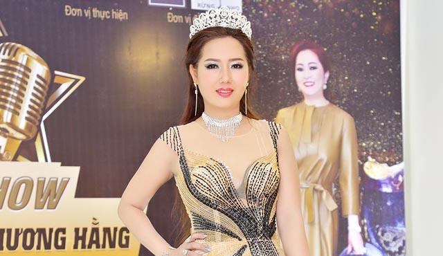 Nữ hoàng thể thao Helen Thúy Lê nổi bật bên Giang Ngọc Bích cùng tham dự sự kiện