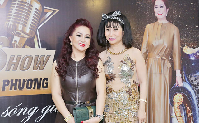 Nghệ sĩ Uyên Thảo nổi bật trên thảm đỏ talkshow của CEO Nguyễn Phương Hằng
