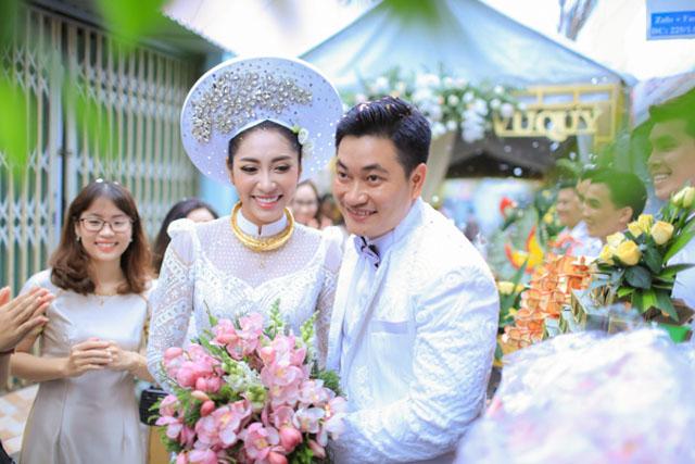 Cận cảnh rước dâu Hoa hậu Đại dương Đặng Thu Thảo tại Cần Thơ - An Giang