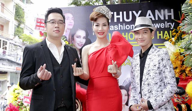 """NTK Lê Hoàng Hải """"kết đôi"""" cùng Á hậu Phạm Thuý Anh mở showroom thời trang"""