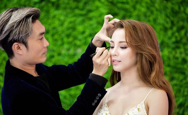 """Bí kíp trang điểm dự tiệc tự nhiên của """"Phù thủy makeup"""" Nguyễn Háo Mộng Hùng"""