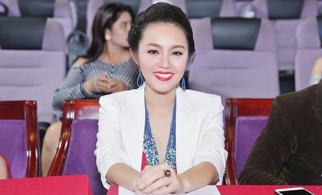 """Hoa hậu quý bà Amy Lê Anh ngồi """"ghế nóng"""" chung kết Gương mặt triển vọng Điện ảnh"""