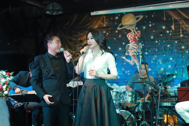 """Hoa hậu Vũ Thị Loan bất ngờ """"khoe"""" giọng khi lần đầu song ca với Hoàng Chiến Pinko"""