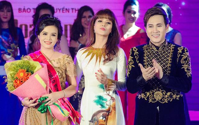 Nguyên Vũ điển trai, lịch lãm hát thăng hoa giữa dàn người đẹp Miss World Business 2019