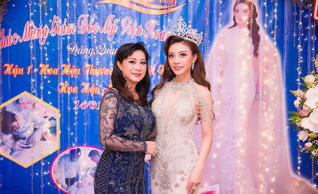 Á hậu Lý San Nghi tổ chức đêm tiệc kỷ niệm 15 năm TMV Hoàng Mỹ