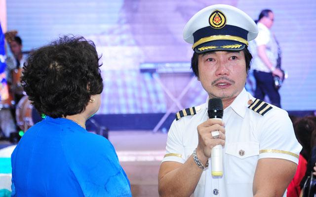 Nhạc sĩ Thái Hùng rơi lệ trong ngày kỷ niệm 20 năm nhận giải thưởng âm nhạc