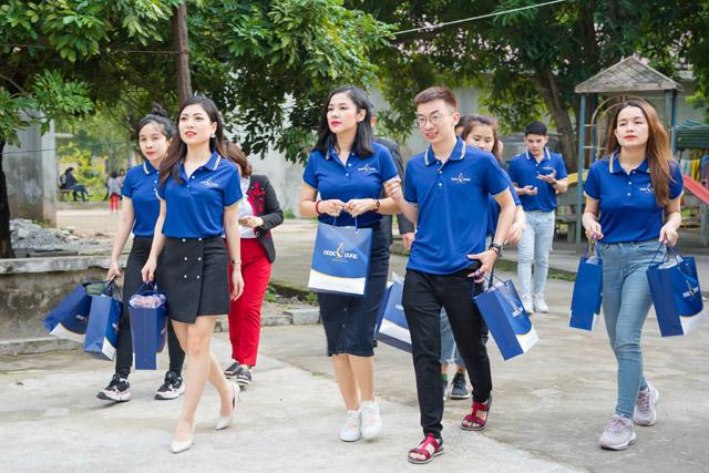 """Việt Trinh xúc động khi tham gia chương trình """"Tết ấm Hà Nam 2019"""" của TMV Ngọc Dung"""