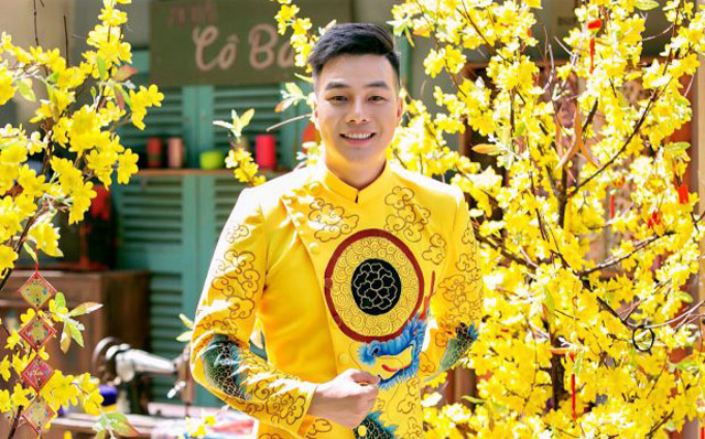 Ca sĩ Tấn Phương đánh dấu sự trở lại với âm nhạc
