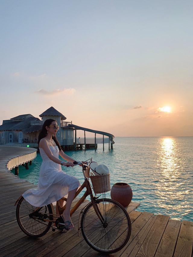Hoa hậu Huỳnh Vy khoe 3 vòng nóng bỏng tại đảo quốc xinh đẹp Maldives 3