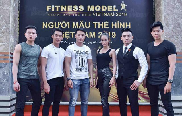 Cao Xuân Tài đi khắp Bắc - Trung - Nam đón thí sinh Vietnam Fitness Model 2019