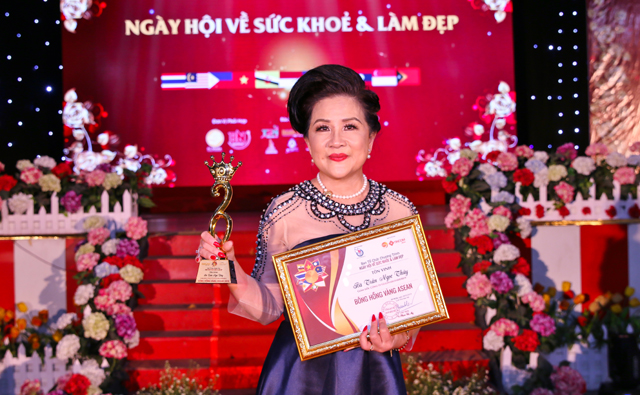 Bông hồng vàng Asean - Hoa hậu Trần Ngọc Thủy được tôn vinh