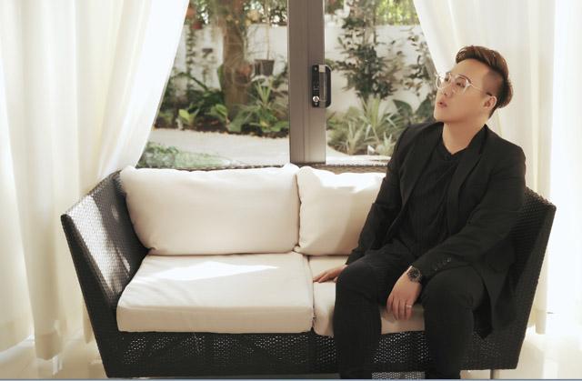 Trung Quân idol tái xuất với diện mạo mới lạ trong MV nhạc phim Lật Mặt: Nhà có khách