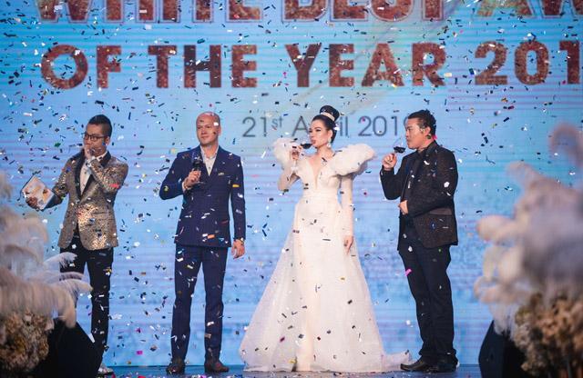 """Isaac, Noo Phước Thịnh khuấy động đêm trao giải """"Top White Best Awards of The Year 2019"""""""