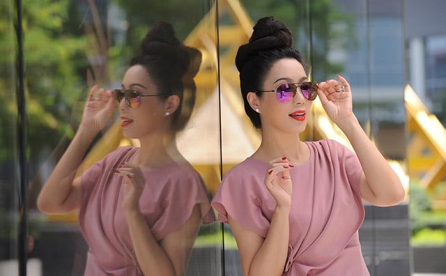 Á hậu Trịnh Kim Chi khai trương 'Shop online' TKC Fashion & Beauty gây quỹ từ thiện