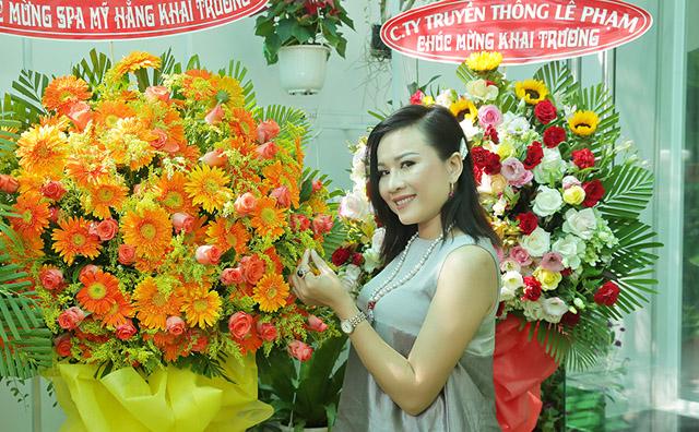 Cú đột phá phong cách thời trang của Giám đốc truyền thông Lê Phạm