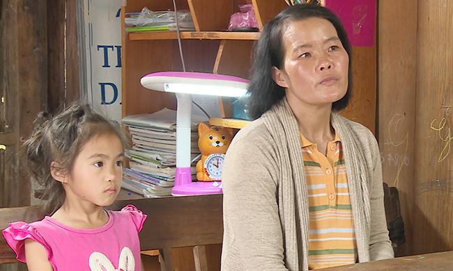 Người phụ nữ nghèo bị ung thư vú được Bệnh viện St. Stamford giúp đỡ