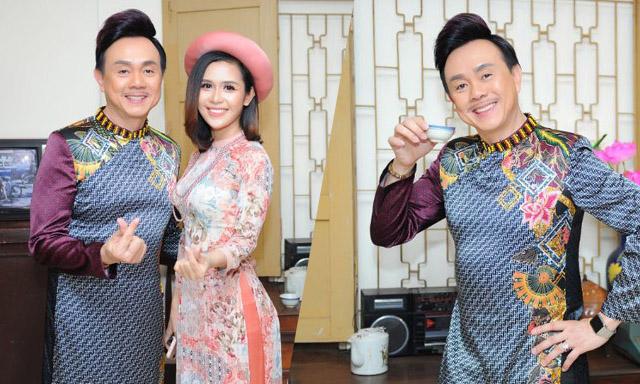 Nghệ sỹ Chí Tài đồng hành cùng NTK Việt Hùng tôn vinh áo dài Việt