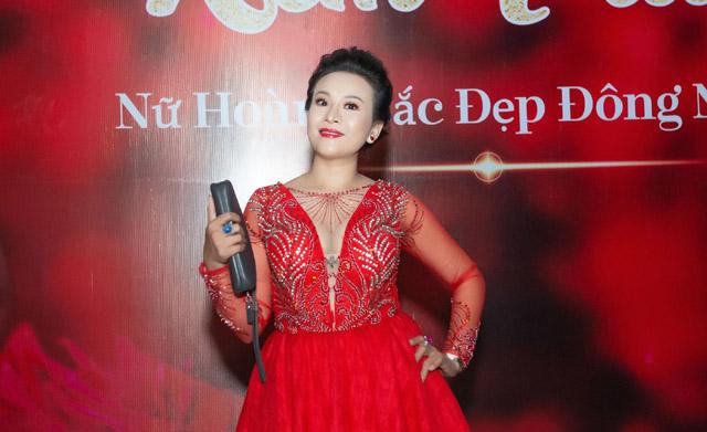 CEO Lê Phạm khoe nét đẹp vạn người mê tại tiệc sinh nhật Nữ Hoàng Kim Trang
