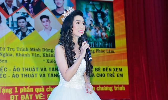 """NSƯT Trịnh Kim Chi làm """"chủ xị"""" thành công ngày """"Tết của thiếu nhi"""" cho các cháu có hoàn cảnh khó khăn"""