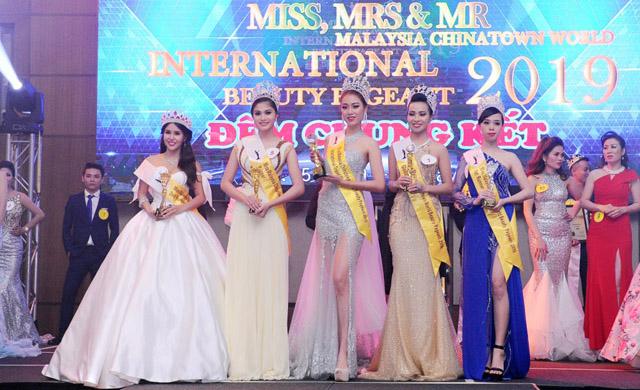 Hoa hậu và Nam vương Doanh nhân Thế giới Malaysia 2019 rực rỡ đêm chung kết trao vương miện
