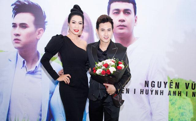 """Nguyên Vũ tung MV phim ngắn """"Sợ Thấy Em Khóc"""" cùng phim kinh dị The Dead"""
