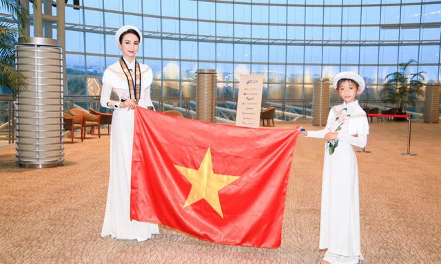 Ngọc Diễm tự hào mang áo dài Việt Nam đến hội nghị JCI châu Á