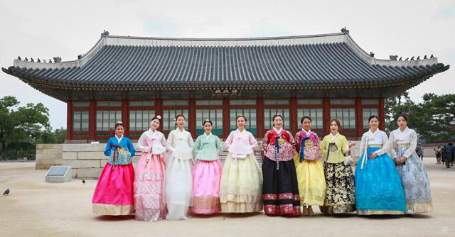 Thí sinh Queen of Beauty World cùng toả sáng với trang phục hanbook