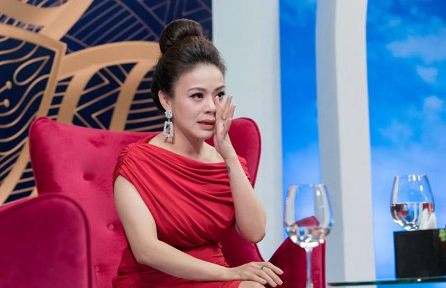 Ca sĩ Hải Yến Idol rơi nước mắt khi kể về những bước đầu sóng gió trên con đường nghệ thuật