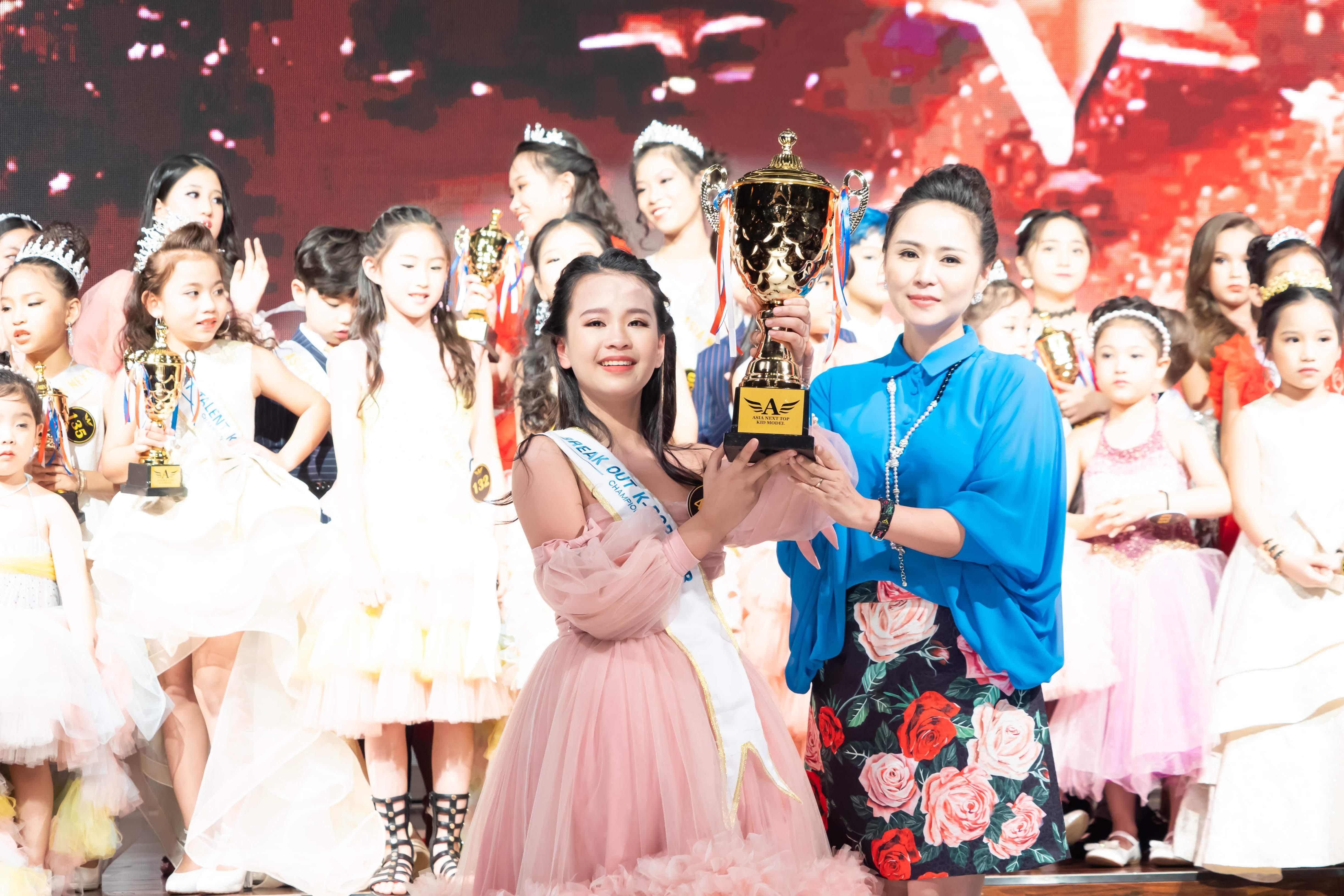 Quỳnh Chi - Cô bé Việt Nam dành giải KPOP Break-Out Star tại cuộc thi Asia Next Top Kid Model ở Hàn Quốc