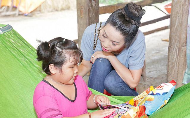 NSƯT Trịnh Kim Chi nỗ lực hoàn thành ngôi nhà tình thương cho gia đình bé Như Ý