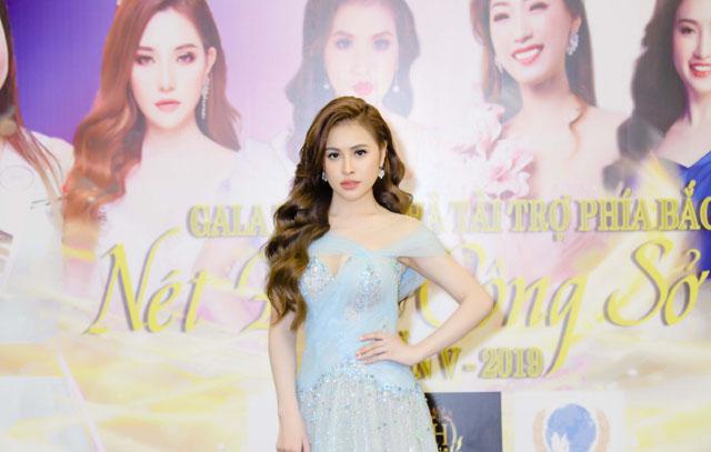 Thư Dung xinh đẹp, trở thành tâm điểm sự kiện tại Hà Nội
