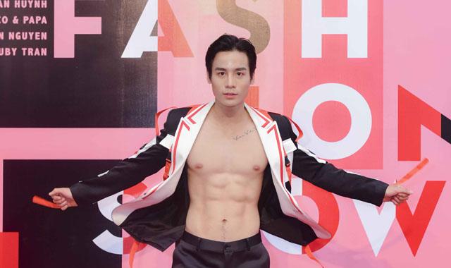 """Cao Xuân Tài cùng các """"nam thần, ngọc nữ"""" của Vietnam Fitness Model """"gây bão"""""""