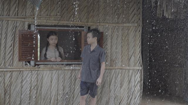 Học trò Hồ Việt Trung lấy nước mắt khán giả với MV xúc động về tình phụ tử