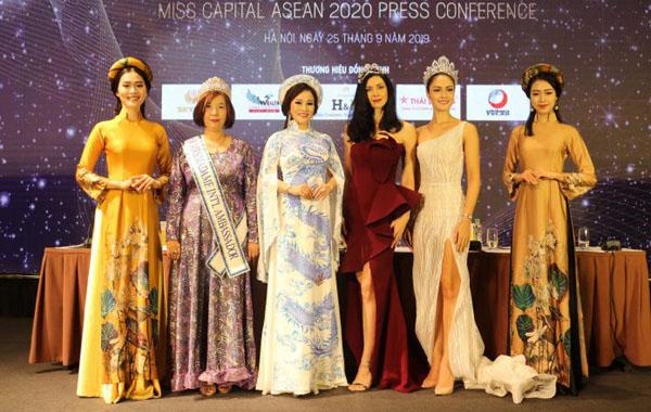 Hoa hậu Nguyễn Lan Vy vui mừng hội ngộ dàn hoa hậu đến từ nhiều quốc gia trên thế giới