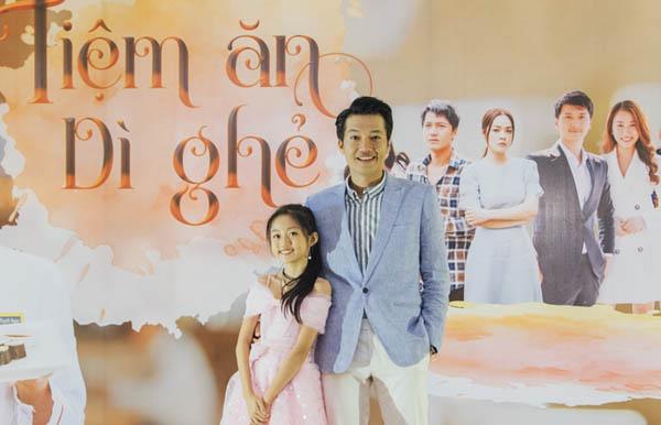 """Vợ vừa mang thai, Quang Tuấn đã có """"con gái"""" Cát Vy cực đáng yêu"""
