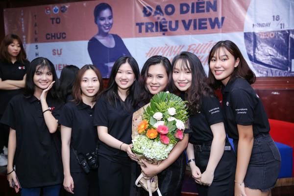 Sinh viên đại học Quốc tế hào hứng giao lưu cùng đạo diễn Huỳnh Phúc Thanh Nhân