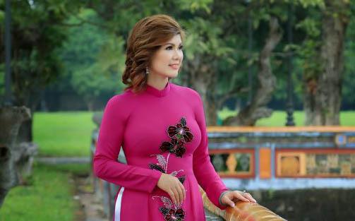 Á hậu Phạm Kiều Oanh khoe vẻ đẹp dịu dàng tại cố đô Huế