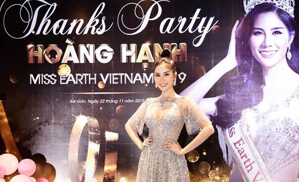 """Miss Earth Vietnam 2019 Hoàng Hạnh khoe giọng hát """"ngọt lịm"""" tại sự kiện"""