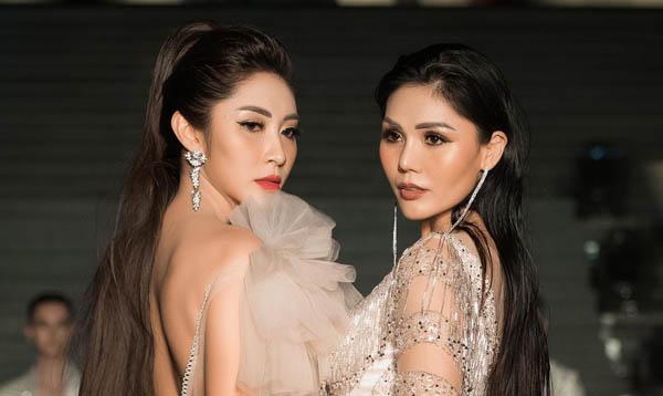 Hoa hậu Đặng Thu Thảo, Kim Nguyên diện váy dài hơn 30m trình diễn mở màn ấn tượng