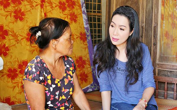 NSƯT Trịnh Kim Chi bàng hoàng trước hoàn cảnh éo le ở Tây Ninh