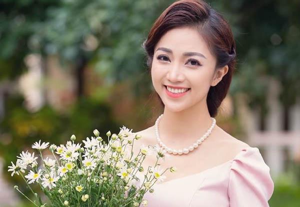 """Á hậu Ngọc Trâm hóa """"tiên nữ"""" trong thiết kế của Hoàng Minh Hà"""