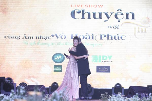 Ca sĩ Anh Thi xúc động kể chuyện bằng âm nhạc trong đêm mini liveshow
