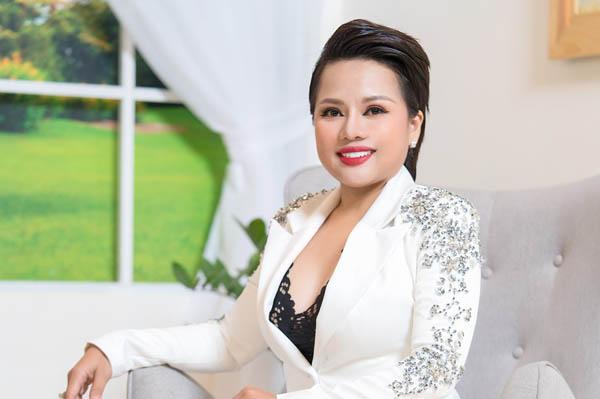 """""""Lột xác"""" nhờ giảm 30kg trong 3 tháng, Ngọc Chúc trở thành doanh nhân và hoa hậu"""