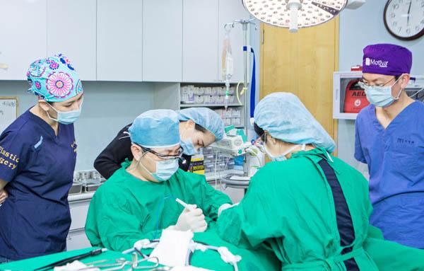 Thực trạng bác sĩ thẩm mỹ nước ngoài ở Việt Nam