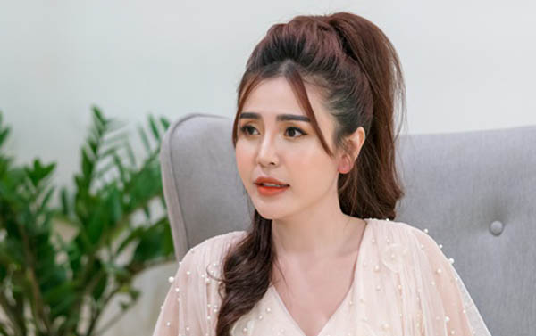 10 năm miệt mài làm chuyên viên tư vấn mỹ phẩm, doanh nhân Hà Tuyết Khanh đã sở hữu chuỗi spa nổi tiếng Sài Gòn