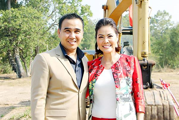 Hồ Lệ Thu về nước ủng hộ MC Quyền Linh xây dựng Khu văn hóa tín ngưỡng Giếng Tiên