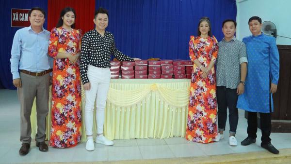 NTK Việt Hùng, nghệ sỹ Thúy Nga, ca sĩ Quốc Đại đem yêu thương về với Quảng Trị