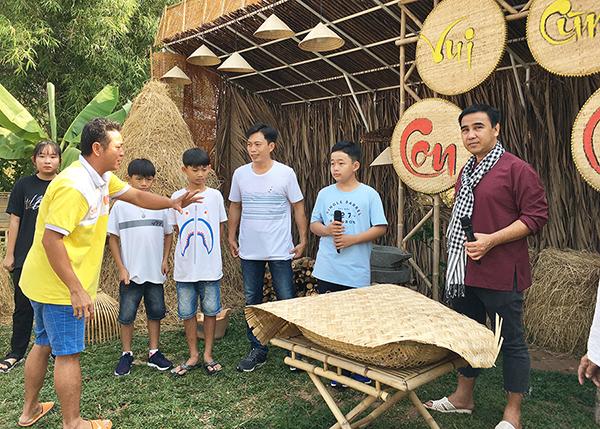 Gameshow 'Vui cùng con cháu' của đạo diễn Quyền Lộc lên sóng HTV9